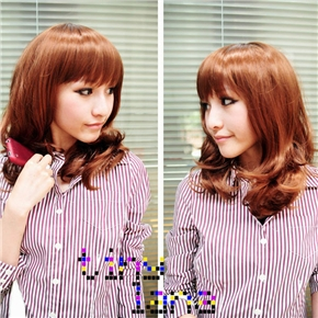 Hot Japanese Style Curly Wig Hair with Neat Eyebrow Bang (Flaxen)